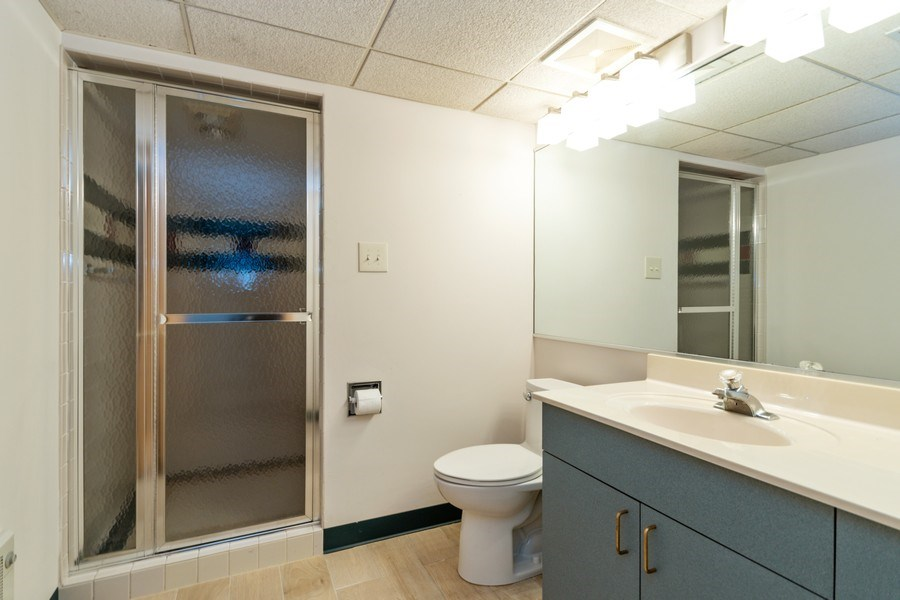 Real Estate Photography - 19641 Woodside Drive, New Lenox, IL, 60451 - 2nd Bathroom