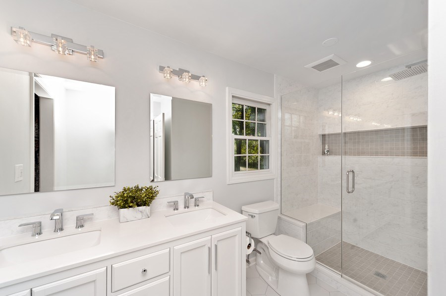 Real Estate Photography - 1141 Oak Ridge Circle, Barrington, IL, 60010 - Master Bathroom