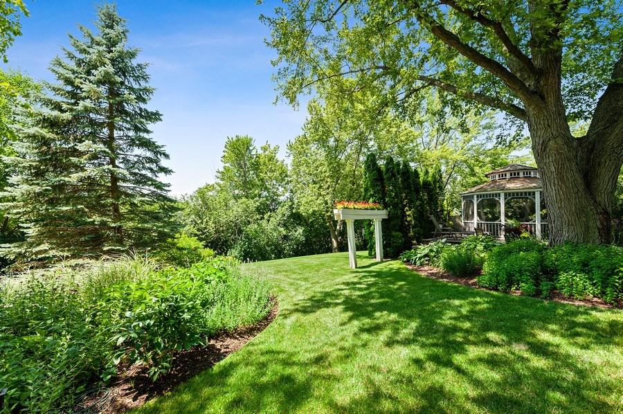 Real Estate Photography - 1141 Oak Ridge Circle, Barrington, IL, 60010 - Back Yard