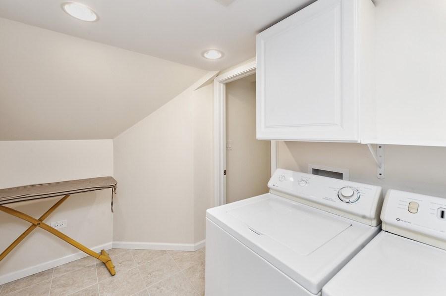Real Estate Photography - 1141 Oak Ridge Circle, Barrington, IL, 60010 - Laundry Room