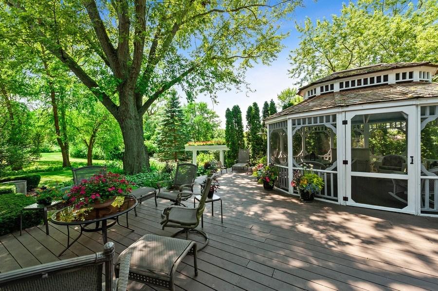 Real Estate Photography - 1141 Oak Ridge Circle, Barrington, IL, 60010 - Deck