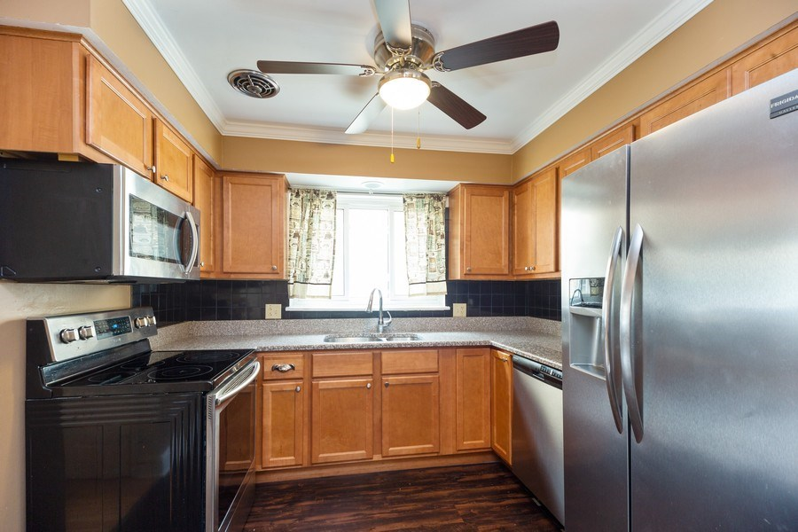Real Estate Photography - 622 W. Central Road, Arlington Heights, IL, 60005 - Kitchen