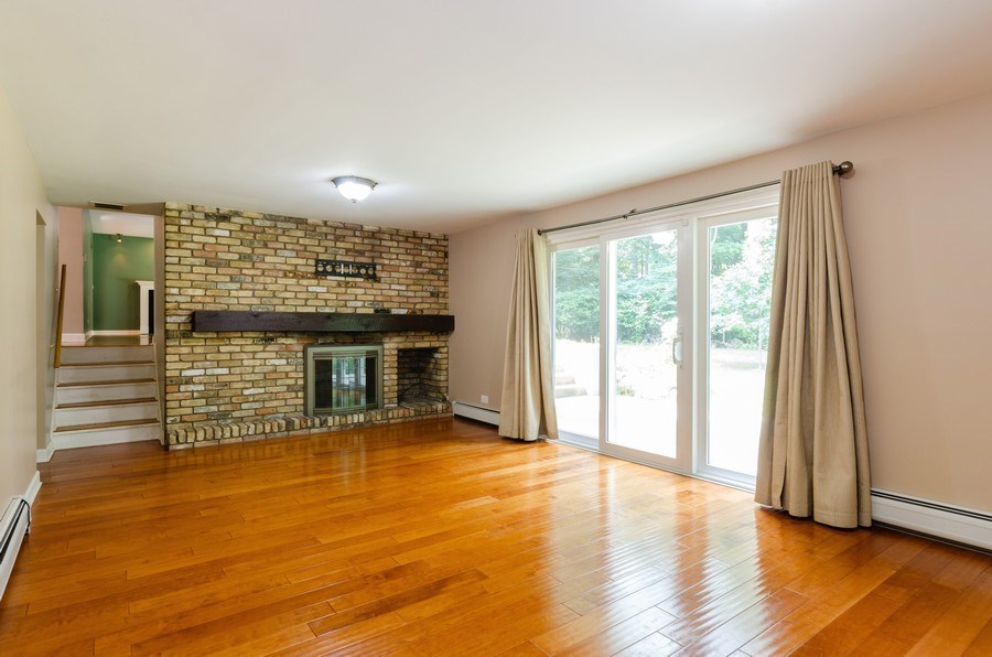 Real Estate Photography - 36W272 HICKORY HOLLOW Drive, Dundee, IL, 60118 - Family Room