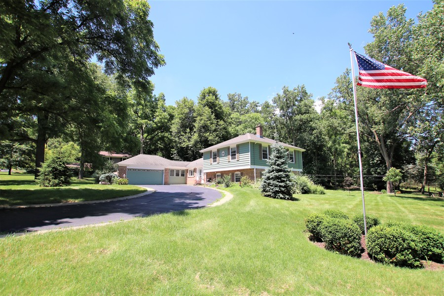 Real Estate Photography - 36W272 HICKORY HOLLOW Drive, Dundee, IL, 60118 - Front View
