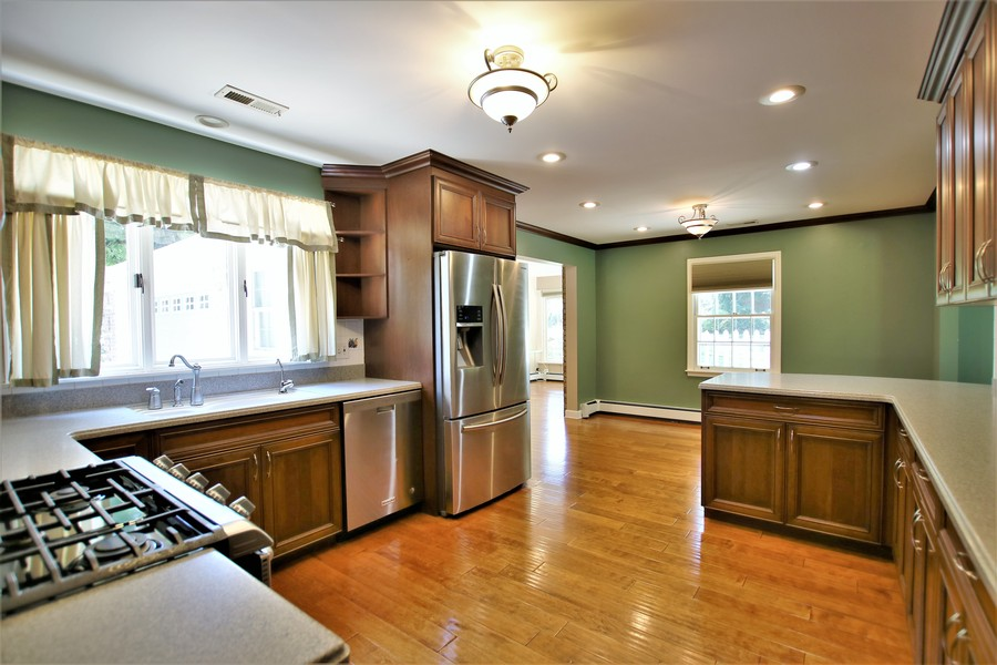 Real Estate Photography - 36W272 HICKORY HOLLOW Drive, Dundee, IL, 60118 - Kitchen & Eating Area