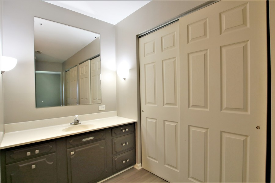 Real Estate Photography - 36W272 HICKORY HOLLOW Drive, Dundee, IL, 60118 - Master Bath Vanity Area