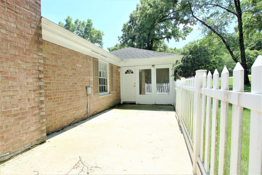 Real Estate Photography - 36W272 HICKORY HOLLOW Drive, Dundee, IL, 60118 - Patio off Sunroom Area