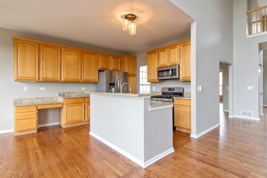 Real Estate Photography - 33 Bridlepath Drive, Lindenhurst, IL, 60046 - Kitchen