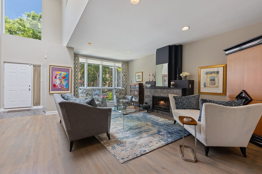 Real Estate Photography - 1938 North Maud Ave, Chicago, IL, 60614 - Living Room