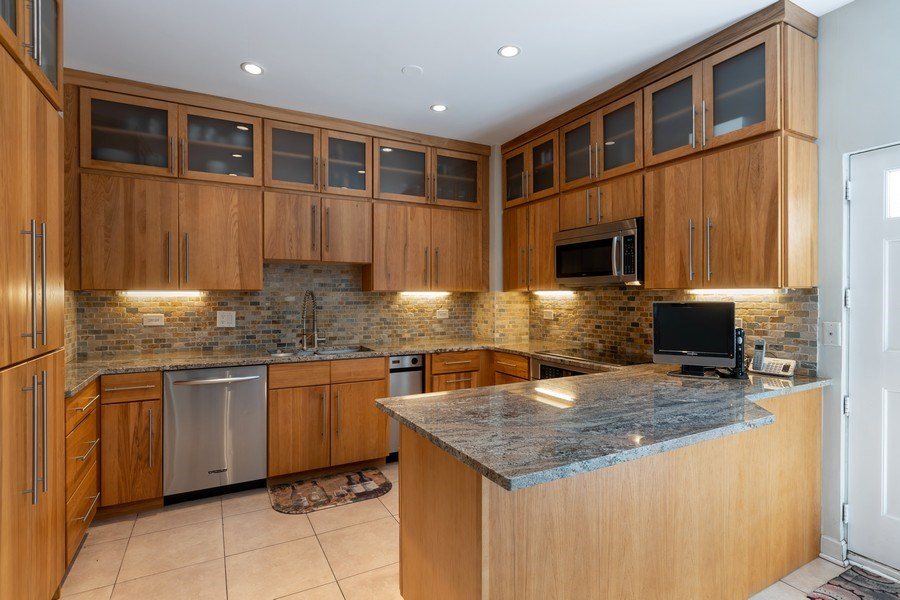 Real Estate Photography - 1938 North Maud Ave, Chicago, IL, 60614 - Kitchen