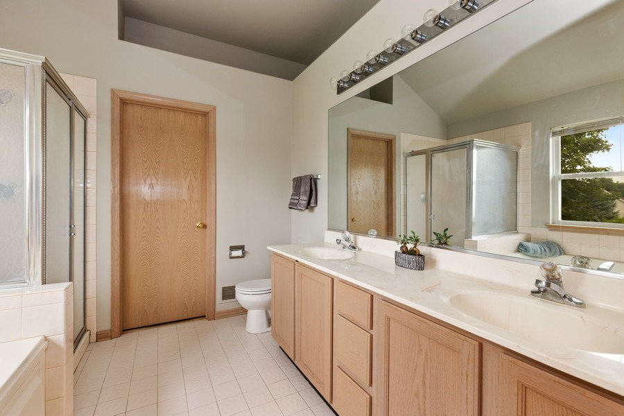 Real Estate Photography - 220 Prairie View Ave, Grayslake, IL, 60030 - Master Bathroom