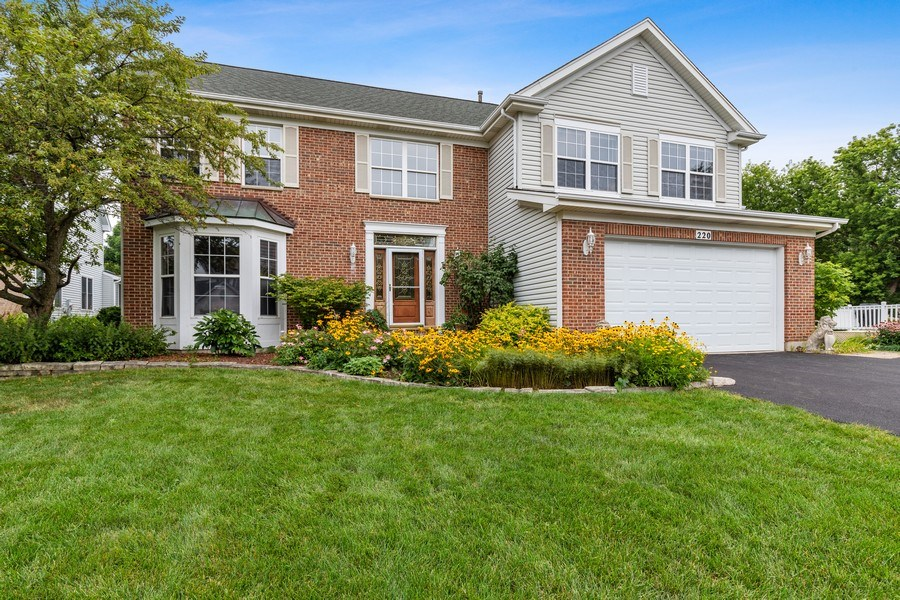 Real Estate Photography - 220 Prairie View Ave, Grayslake, IL, 60030 - Front View