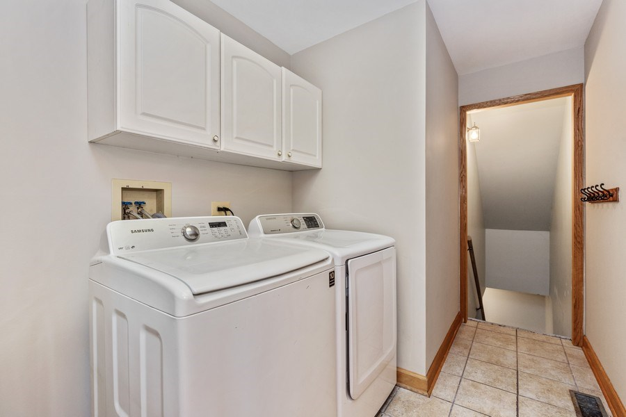 Real Estate Photography - 220 Prairie View Ave, Grayslake, IL, 60030 - Laundry Room