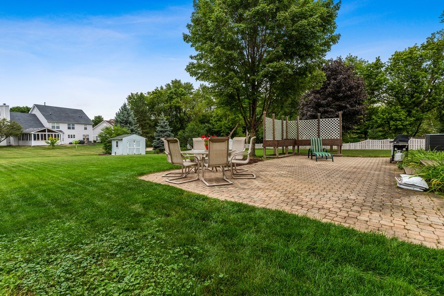 Real Estate Photography - 220 Prairie View Ave, Grayslake, IL, 60030 - Patio & Yard
