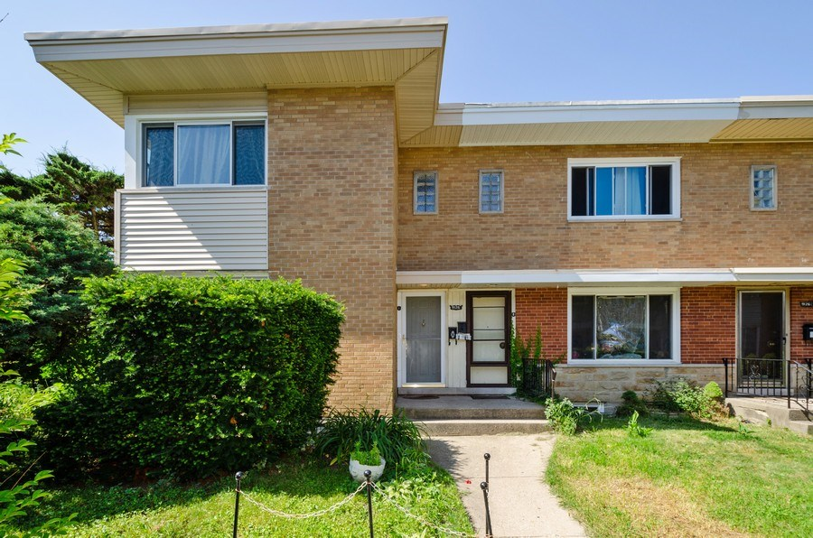 Real Estate Photography - 9126A Niles Center Road, Skokie, IL, 60076 - Front View