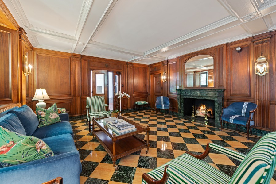 Real Estate Photography - 70 East Cedar St, 6W, Chicago, IL, 60611 - Lobby