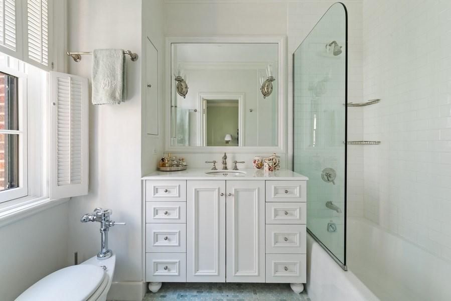 Real Estate Photography - 70 East Cedar St, 6W, Chicago, IL, 60611 - Master Bathroom