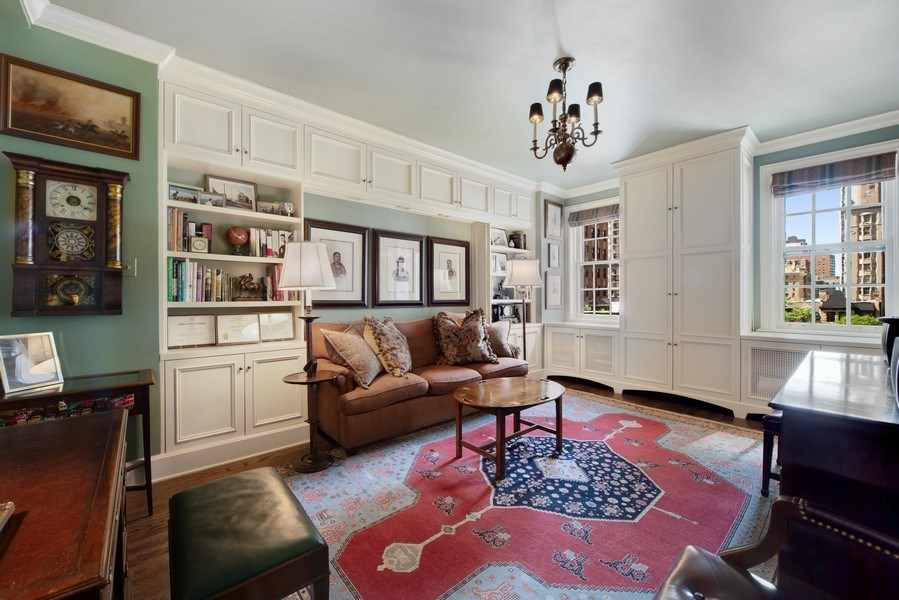 Real Estate Photography - 70 East Cedar St, 6W, Chicago, IL, 60611 - 2nd Bedroom