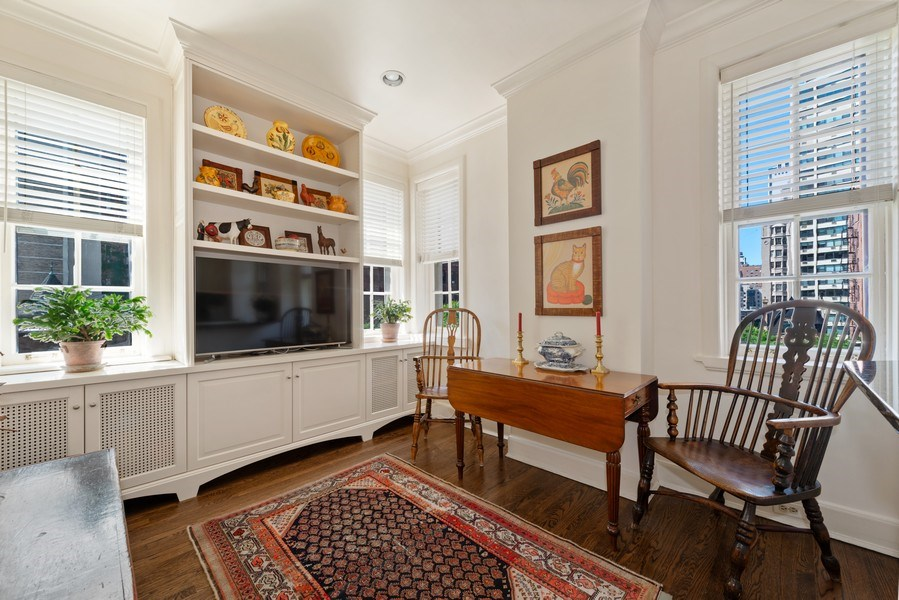 Real Estate Photography - 70 East Cedar St, 6W, Chicago, IL, 60611 - Family Room