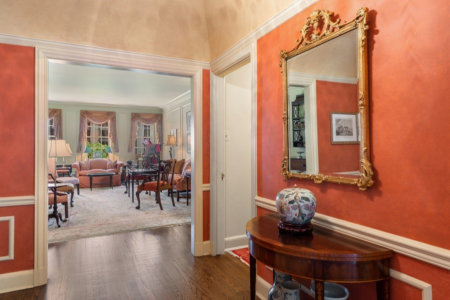 Real Estate Photography - 70 East Cedar St, 6W, Chicago, IL, 60611 - Foyer