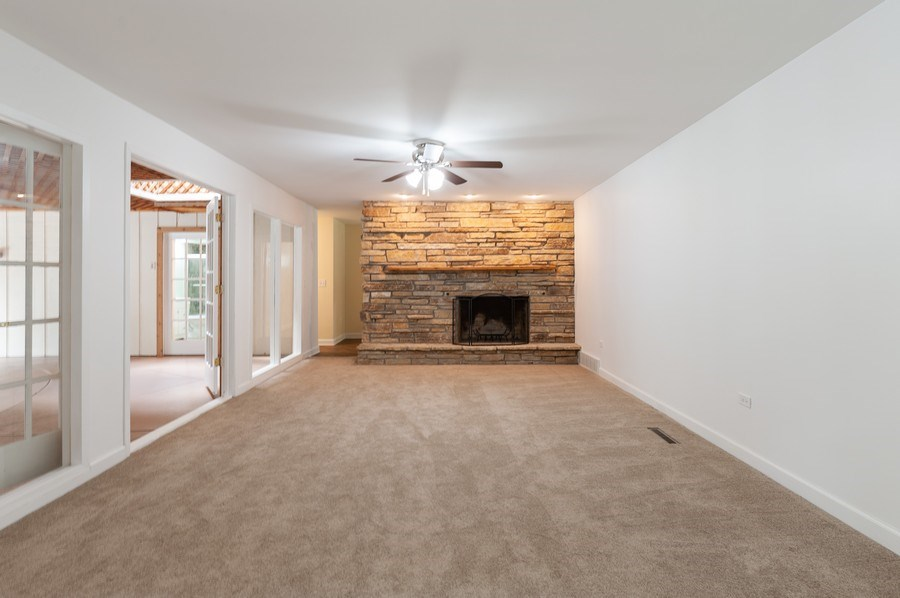 Real Estate Photography - 39550 N. Petite Pass, Antioch, IL, 60002 - Family Room