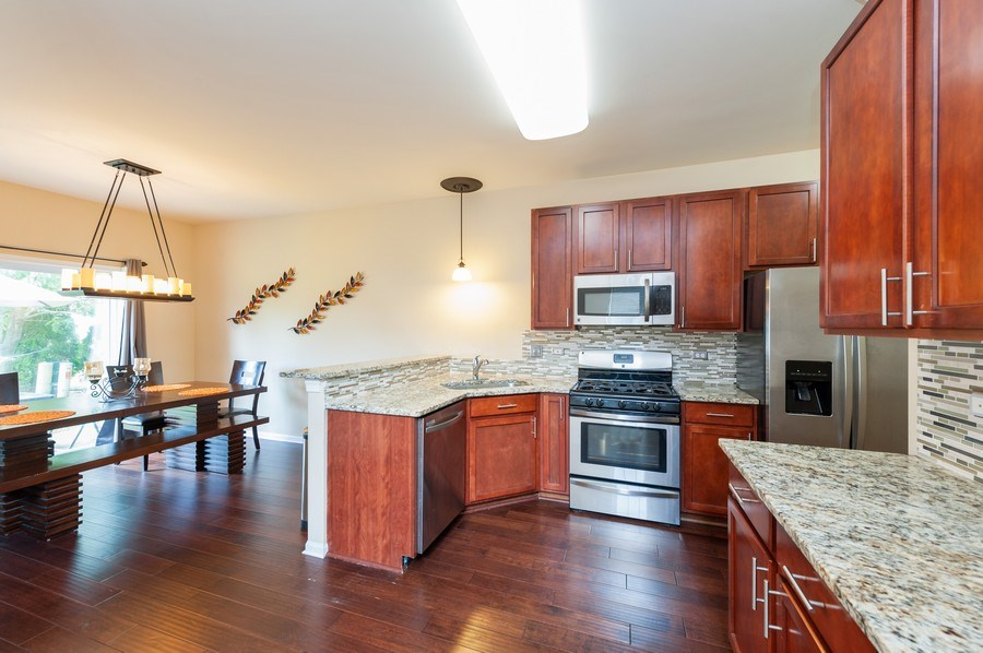 Real Estate Photography - 321 North Patriot Dr, Hainesville, IL, 60030 - Kitchen