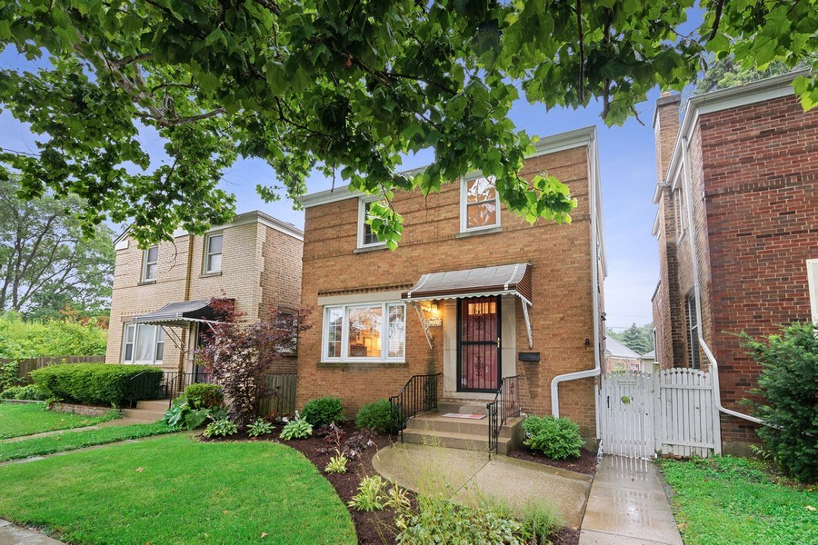 Real Estate Photography - 2748 OAK PARK Avenue, Berwyn, IL, 60402 - Front View
