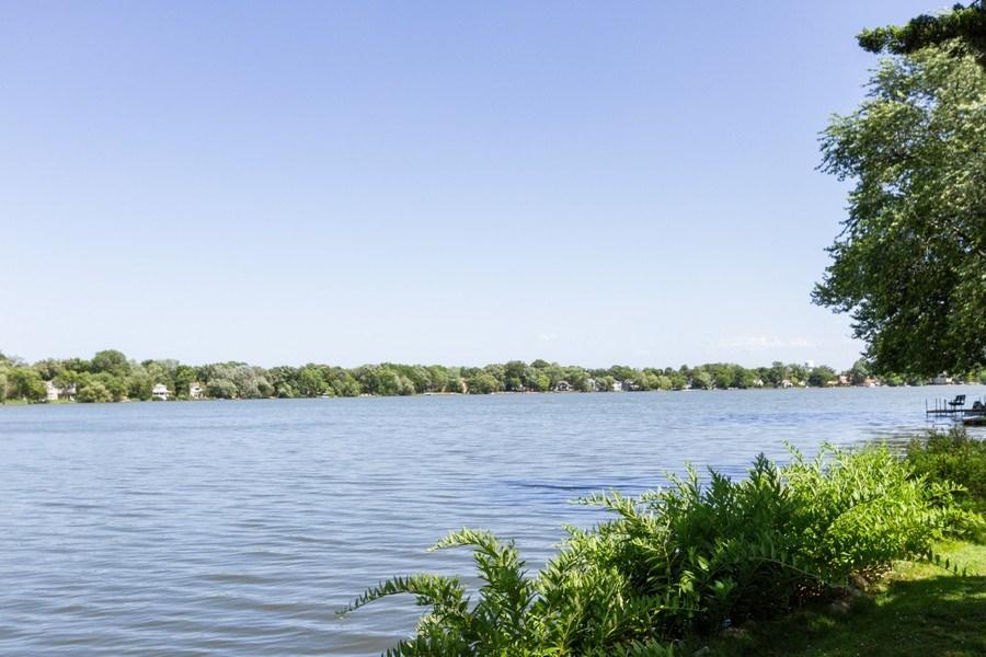 Real Estate Photography - 27 W. Shore Drive, Grayslake, IL, 60030 - Lake View
