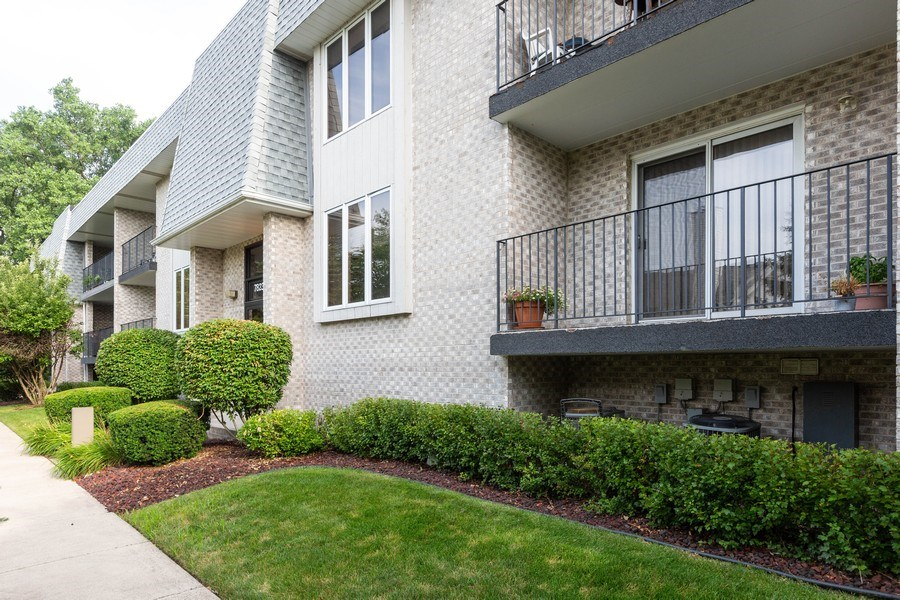 Real Estate Photography - 7823 West 157Th Pl, Orland Park, IL, 60462 - Front View