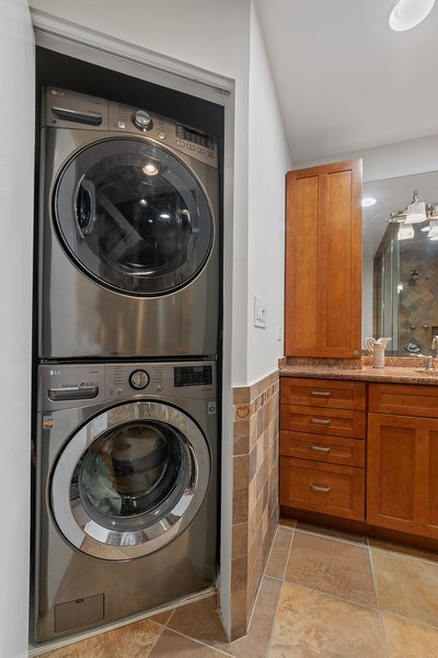 Real Estate Photography - 1927 Lincoln Street, Evanston, IL, 60201 - Master Bath Laundry Hook-up