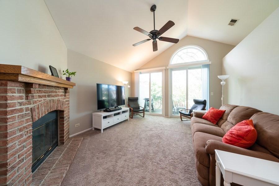 Real Estate Photography - 30W028 Juniper Court, Unit 028, Warrenville, IL, 60555 - Living Room