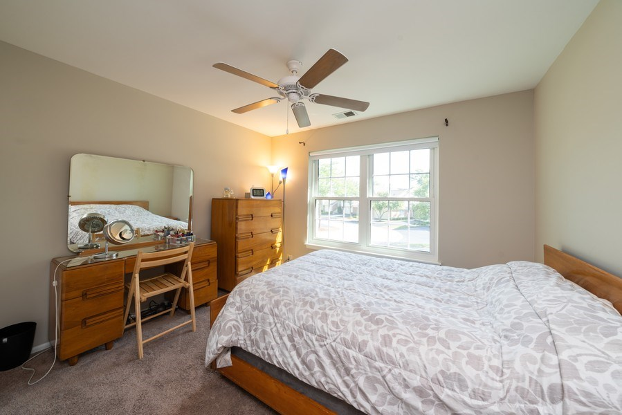 Real Estate Photography - 30W028 Juniper Court, Unit 028, Warrenville, IL, 60555 - 2nd Bedroom