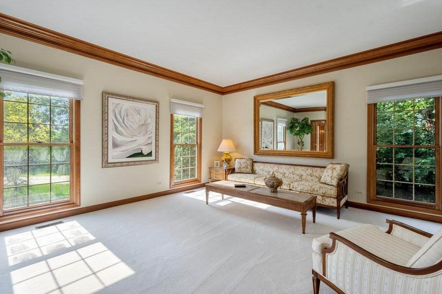 Real Estate Photography - 155 HAVERTON WAY, North Barrington, IL, 60010 - Living Room
