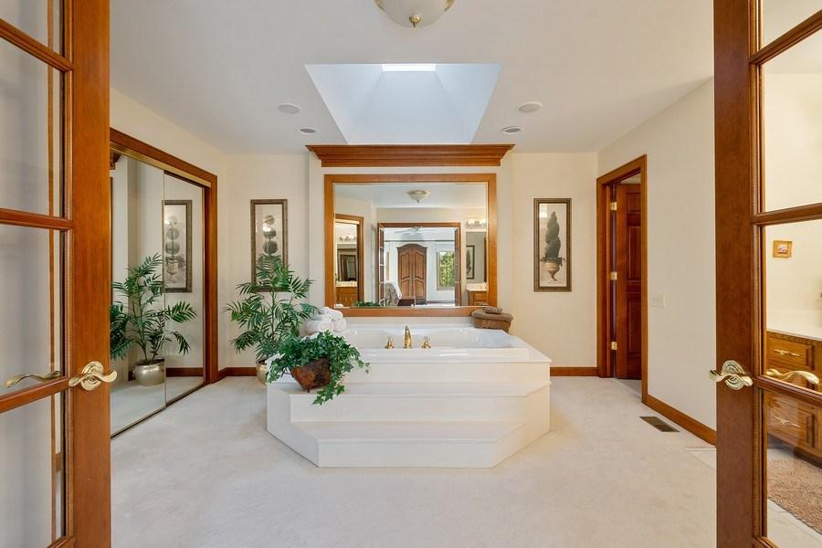 Real Estate Photography - 155 HAVERTON WAY, North Barrington, IL, 60010 - Master Bathroom