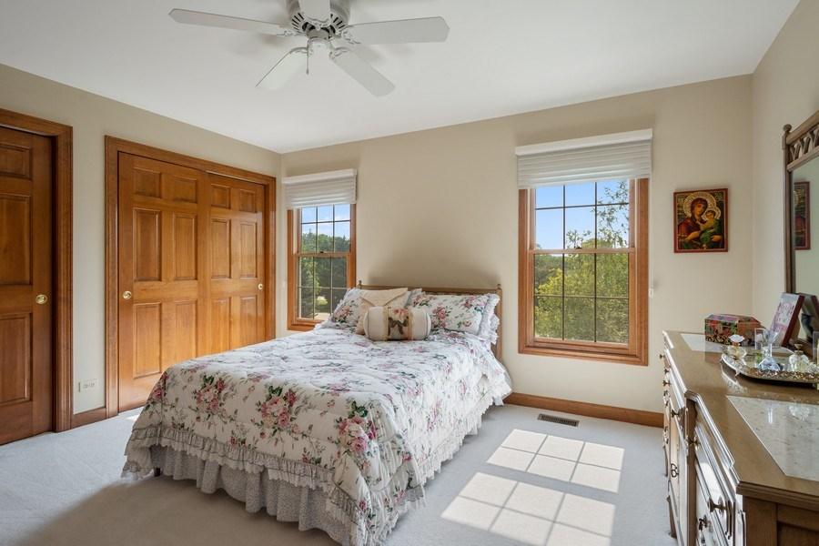 Real Estate Photography - 155 HAVERTON WAY, North Barrington, IL, 60010 - 2nd Bedroom