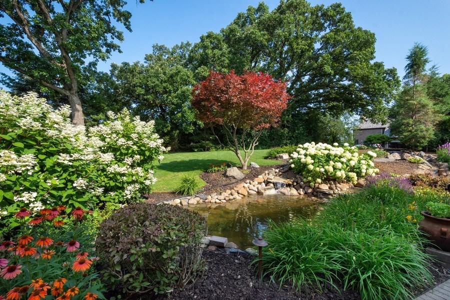 Real Estate Photography - 155 HAVERTON WAY, North Barrington, IL, 60010 - Back Yard