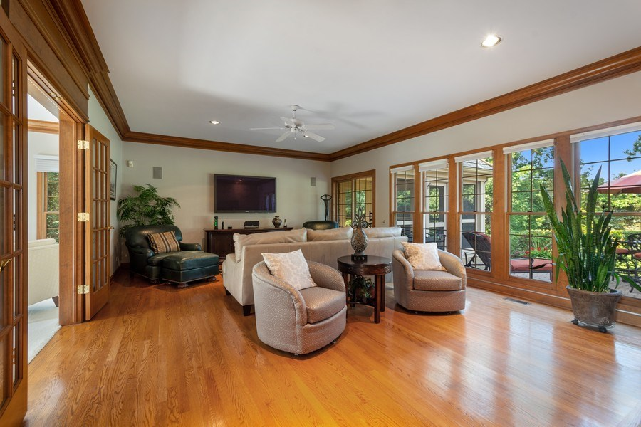 Real Estate Photography - 155 HAVERTON WAY, North Barrington, IL, 60010 - Family Room