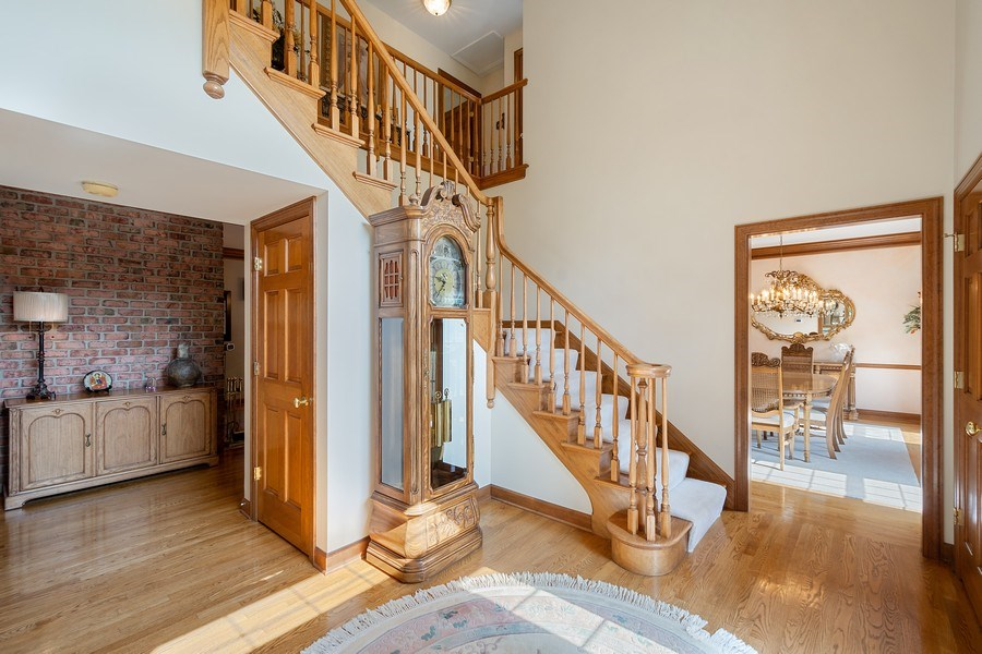 Real Estate Photography - 155 HAVERTON WAY, North Barrington, IL, 60010 - Foyer