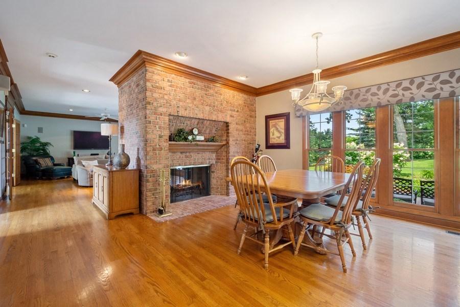 Real Estate Photography - 155 HAVERTON WAY, North Barrington, IL, 60010 - Breakfast Area