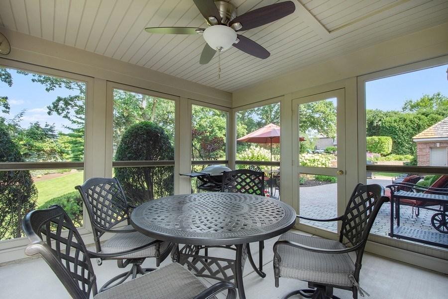 Real Estate Photography - 155 HAVERTON WAY, North Barrington, IL, 60010 - Sun Room