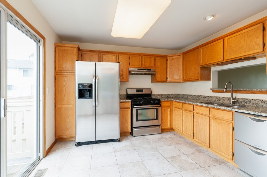 Real Estate Photography - 2563 North Augusta Dr, Wadsworth, IL, 60083 - Kitchen