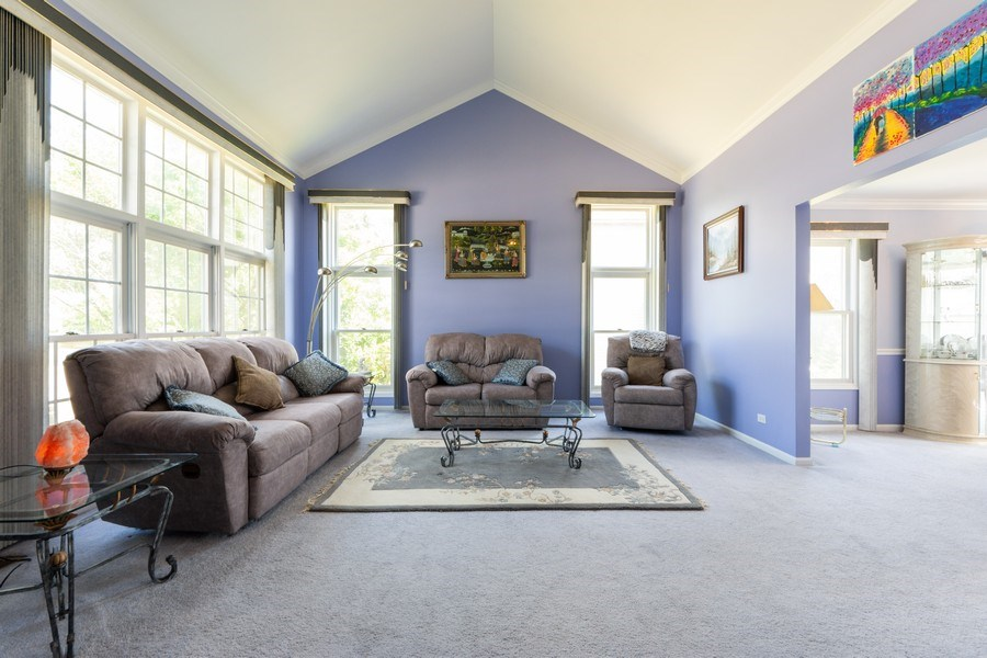 Real Estate Photography - 5255 Morningview Drive, Hoffman Estates, IL, 60192 - Living Room