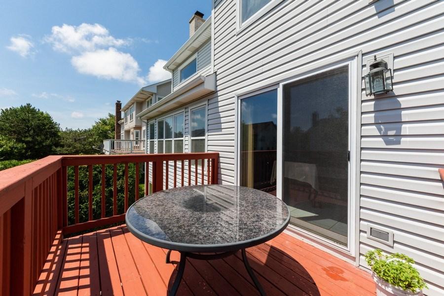 Real Estate Photography - 5255 Morningview Drive, Hoffman Estates, IL, 60192 - Deck