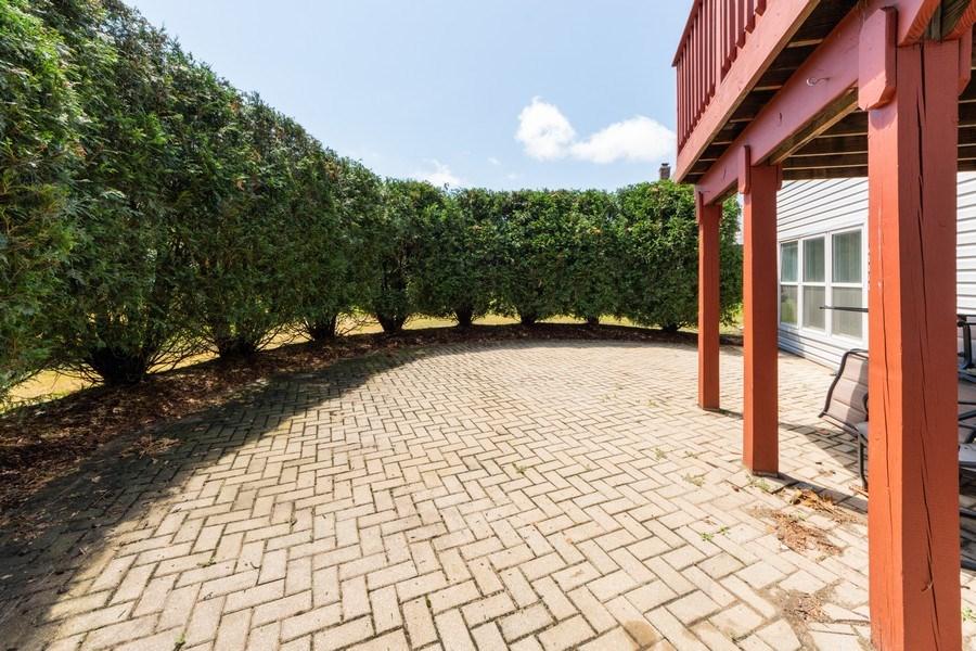 Real Estate Photography - 5255 Morningview Drive, Hoffman Estates, IL, 60192 - Patio