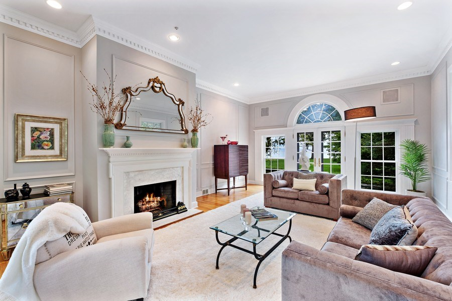 Real Estate Photography - 663 Circle Ln, Lake Forest, IL, 60045 - Living Room