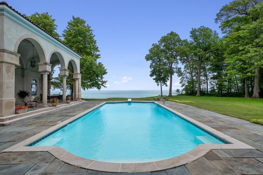 Real Estate Photography - 663 Circle Ln, Lake Forest, IL, 60045 - Pool