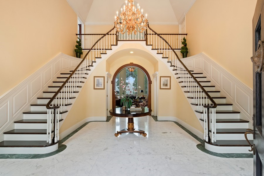 Real Estate Photography - 663 Circle Ln, Lake Forest, IL, 60045 - Foyer