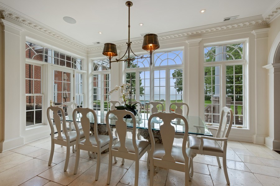 Real Estate Photography - 663 Circle Ln, Lake Forest, IL, 60045 - Breakfast Area