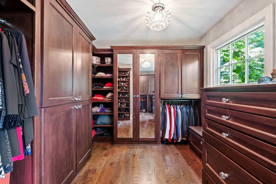 Real Estate Photography - 663 Circle Ln, Lake Forest, IL, 60045 - Master Bedroom Closet