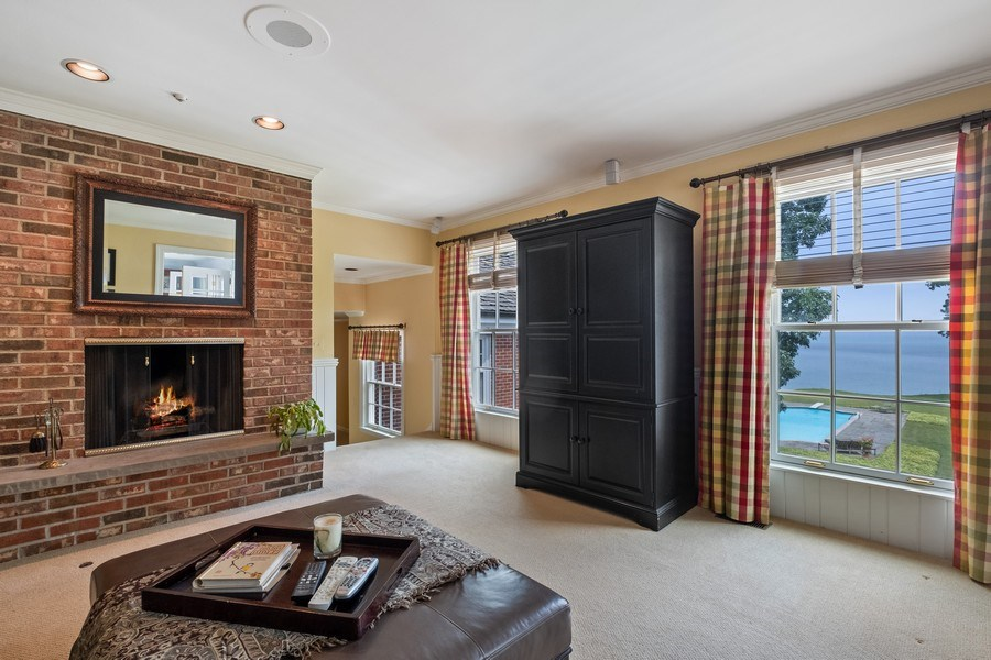 Real Estate Photography - 663 Circle Ln, Lake Forest, IL, 60045 - Study